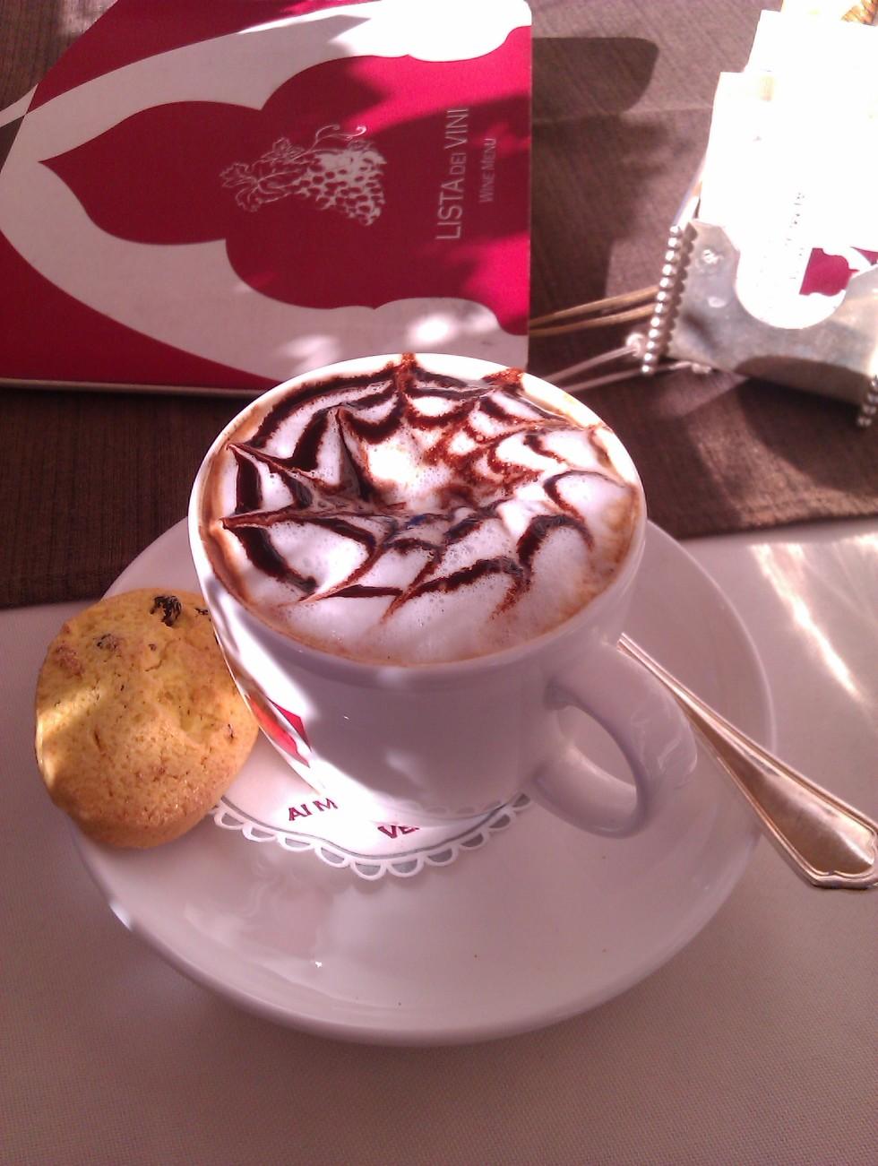Spiderweb Cappuccino at Hotel Al Mori d'Oriente